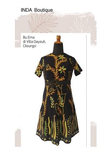 Dress Batik Cantik untuk Ibu Erna di Villa Dayeuh - Cileungsi