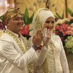 Kebaya Wedding untuk Akad Nikah Kak Rika di Kota Wisata by Indabutik